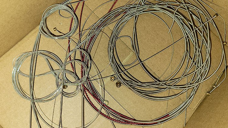 are guitar strings recyclable?