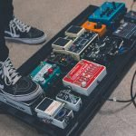 how does a guitar pedal work