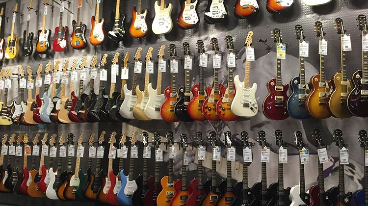 how to buy an electric guitar for beginners